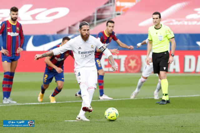 Photo of ريال مدريد يقسو على برشلونة بثلاثية ويتصدر الليجا